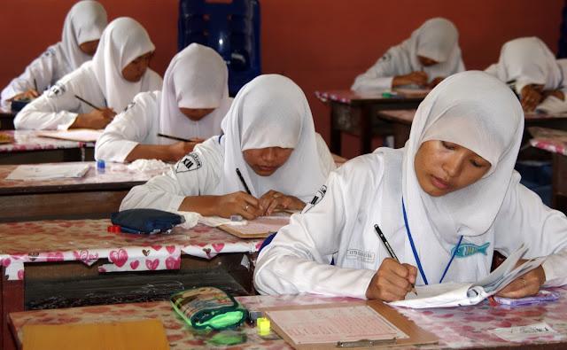 pelajar ujian nasional