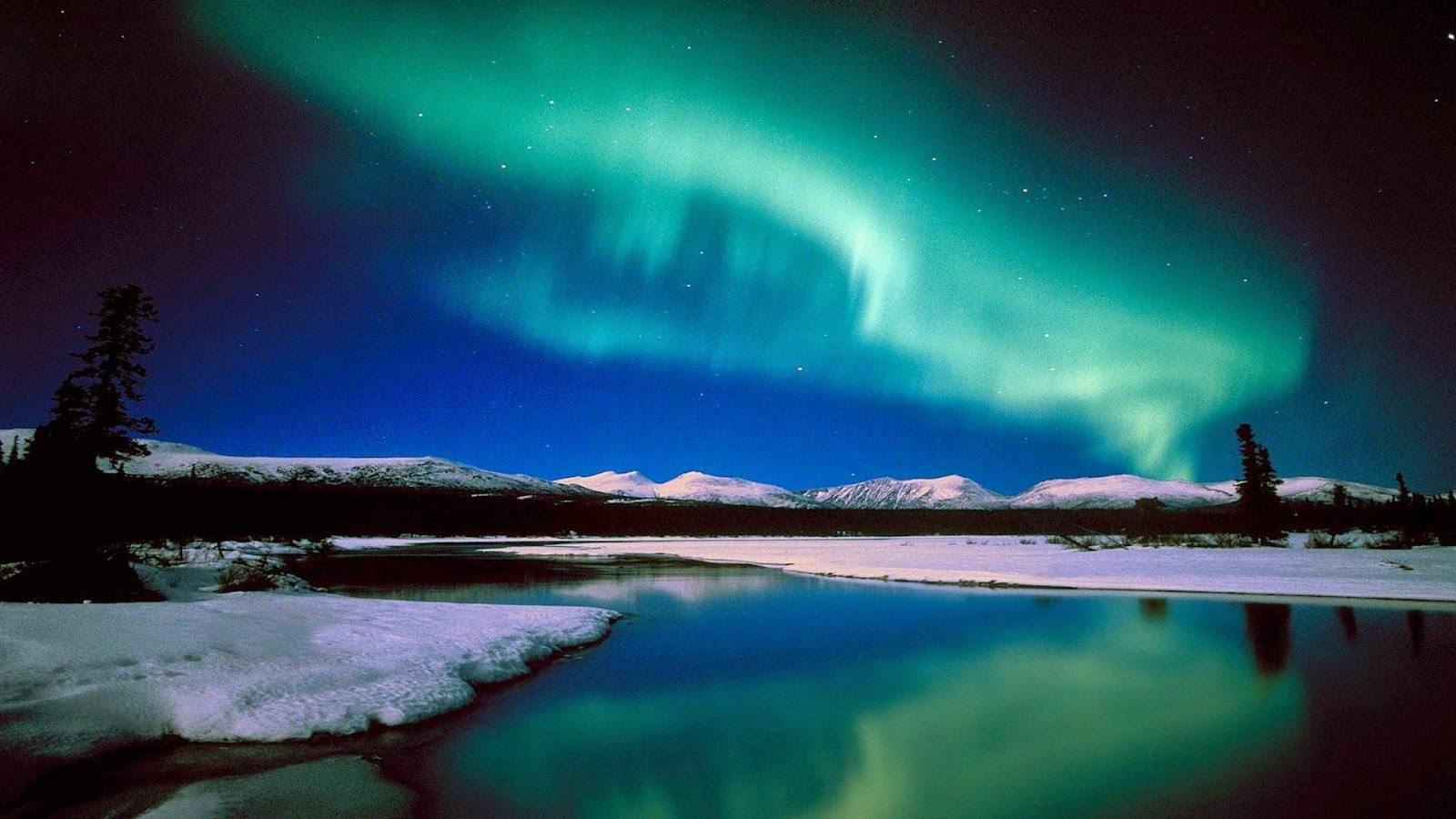 20 Amazing Colorful Aurora Borealis Wallpapers HD -o- | 1 Wallpaper Picture Photo