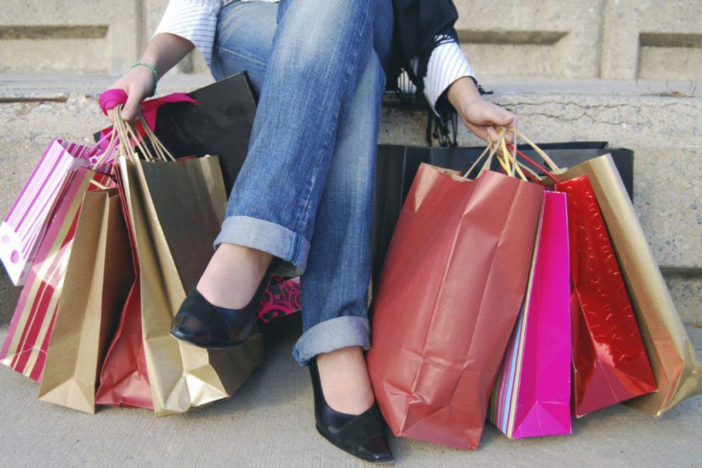 1be2598d4 Si hay algo que a la mayoría de las mujeres nos encanta, es la ropa. Para  muchas el panorama ideal es ir de shopping y comprar todo aquello que les  gusta.