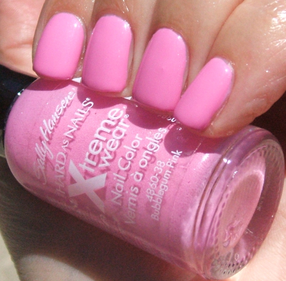 Bubble Gum Nail Art: Pink Wednesday... With Nail Art!