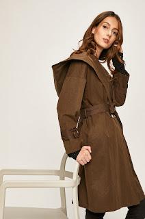 Palton de dama cu gluga