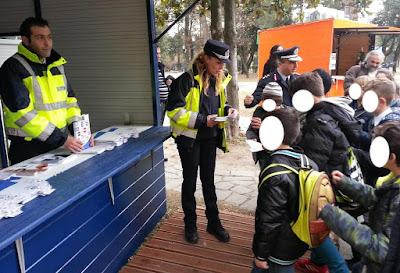Με επιτυχία συνεχίζονται οι ενημερωτικές δράσεις της Διεύθυνσης Αστυνομίας Πιερίας που θα διαρκέσουν όλη την περίοδο των εορτών