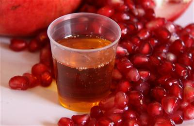 Pomegranate Seed Oil: Benefits and Usage
