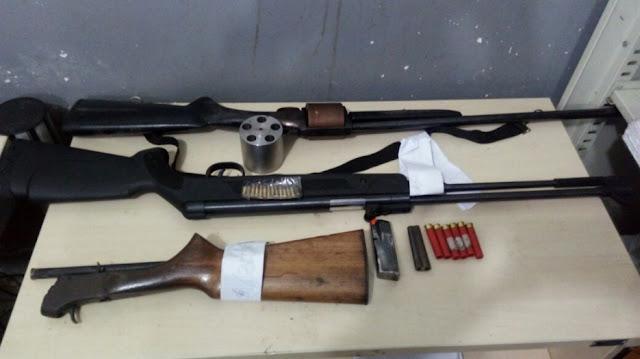 Homem ameaça três pessoas e é preso com várias armas em Porto Velho