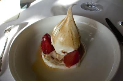 Dessert restaurant Pavillon Ledoyen Paris.