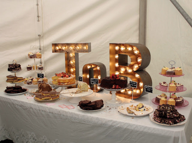 Cake table and beautiful lighting by Bespoke Light Up Letters