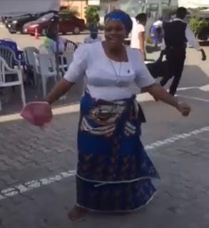 Christian Mother Entertains Web Users As She Does The Zanku/Legwork Dance And Shaku Shaku In Viral Video
