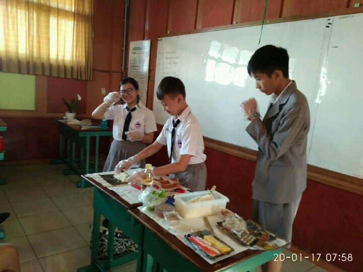 Practicing to Use Quantifiers through Cooking Show - English CP2