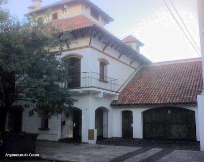 Casa residencial de estilo Colonial español en la Ciudad de Buenos Aires