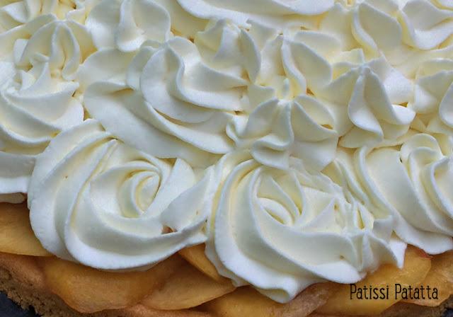 recette de cheese-cake nectarines, cheese-cake nectarines, tarte aux nectarines, cheese-cake sans cuisson, dessert de l'été, dessert avec des nectarines, tarte estivale, cheese-cake estival, cheese-cake aux fruits, base sablé breton, tarte sablé breton