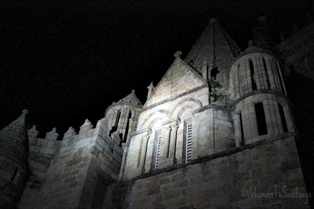foto de catedral de noche
