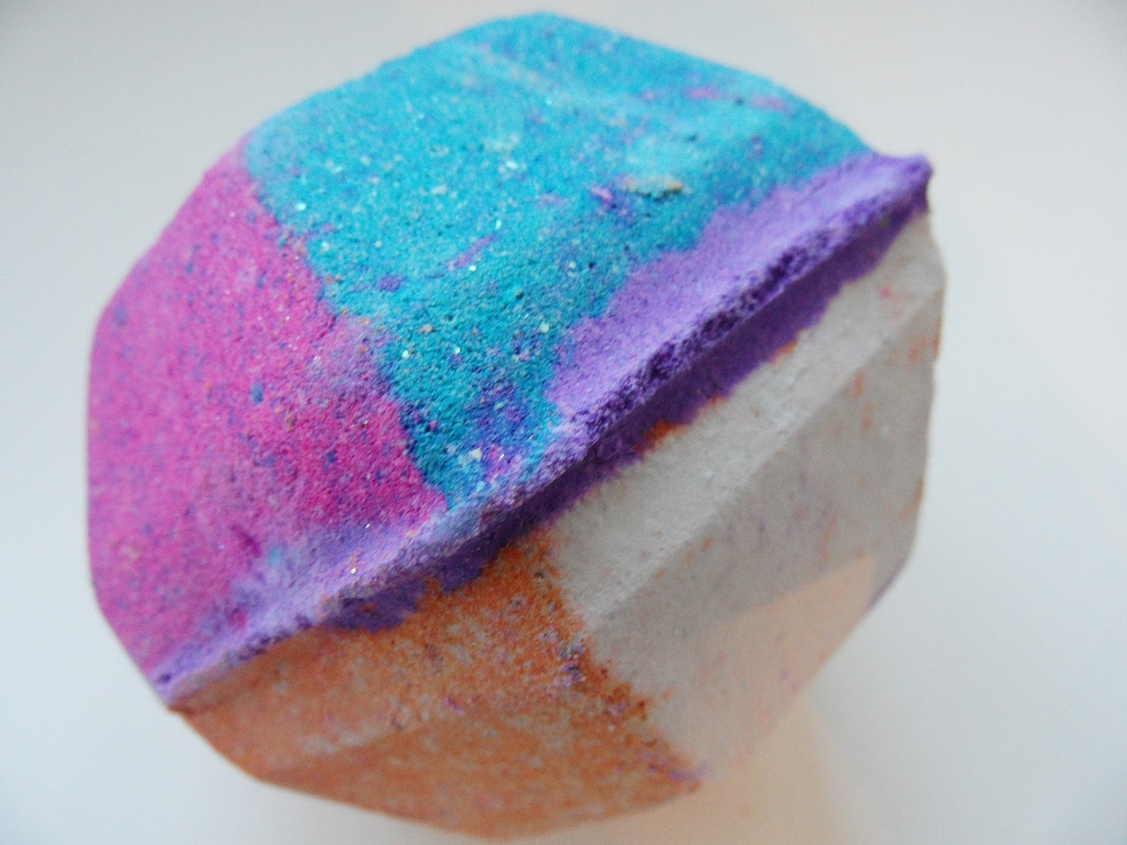 LUSH HAUL Eyelinerflicks Oct 2015 The Experamintor Bath Bomb