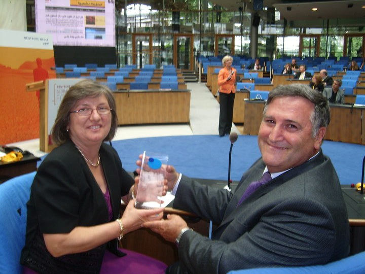 Trofeo premio The BOBs, Bonn, vuelta al mundo, round the world, La vuelta al mundo de Asun y Ricardo, mundoporlibre.com