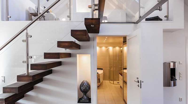 This Small Bathroom Design Under Stairs Under Stairs Bathroom