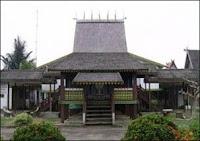 Rumah Adat Kalimantan Selatan