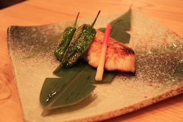 ซูชิปลาหิมะ (Gindara Nigiri)