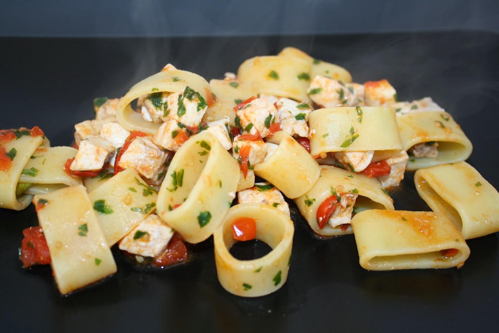 La cuciniera moderna ricette facili pasta con pesce for Ricette pesce facili