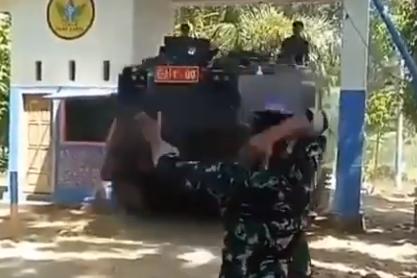 Hukuman Lucu Akibat Lewat Sembarangan di Markas TNI