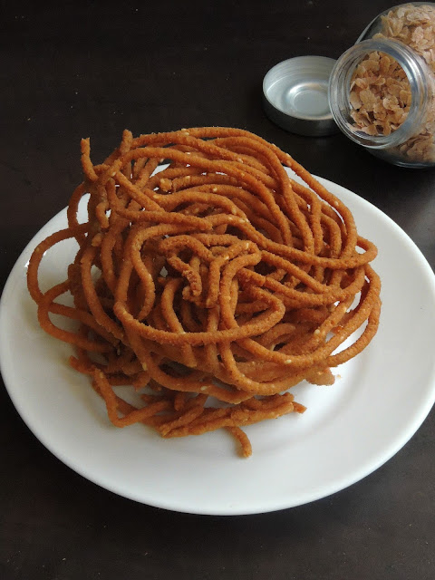 Aval Murukku, Red rice flakes Murukku