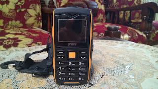 Aku Mempunyai Handphone Basic dan Smartphone