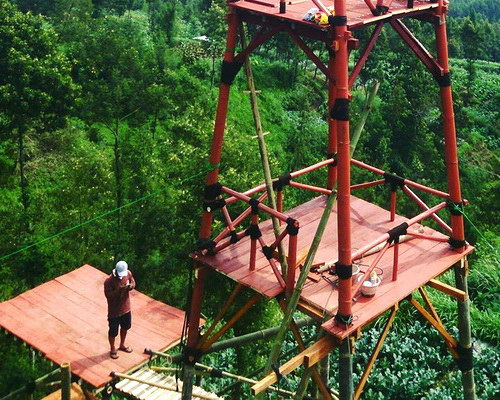 www.Tinuku.com Oemah Bamboo Coffee Konservasi bring hot coffee and tower installation for dramatic views Mount Merapi