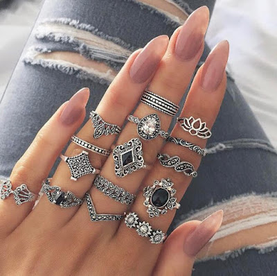 Cum se păstrează bijuteriile curate?