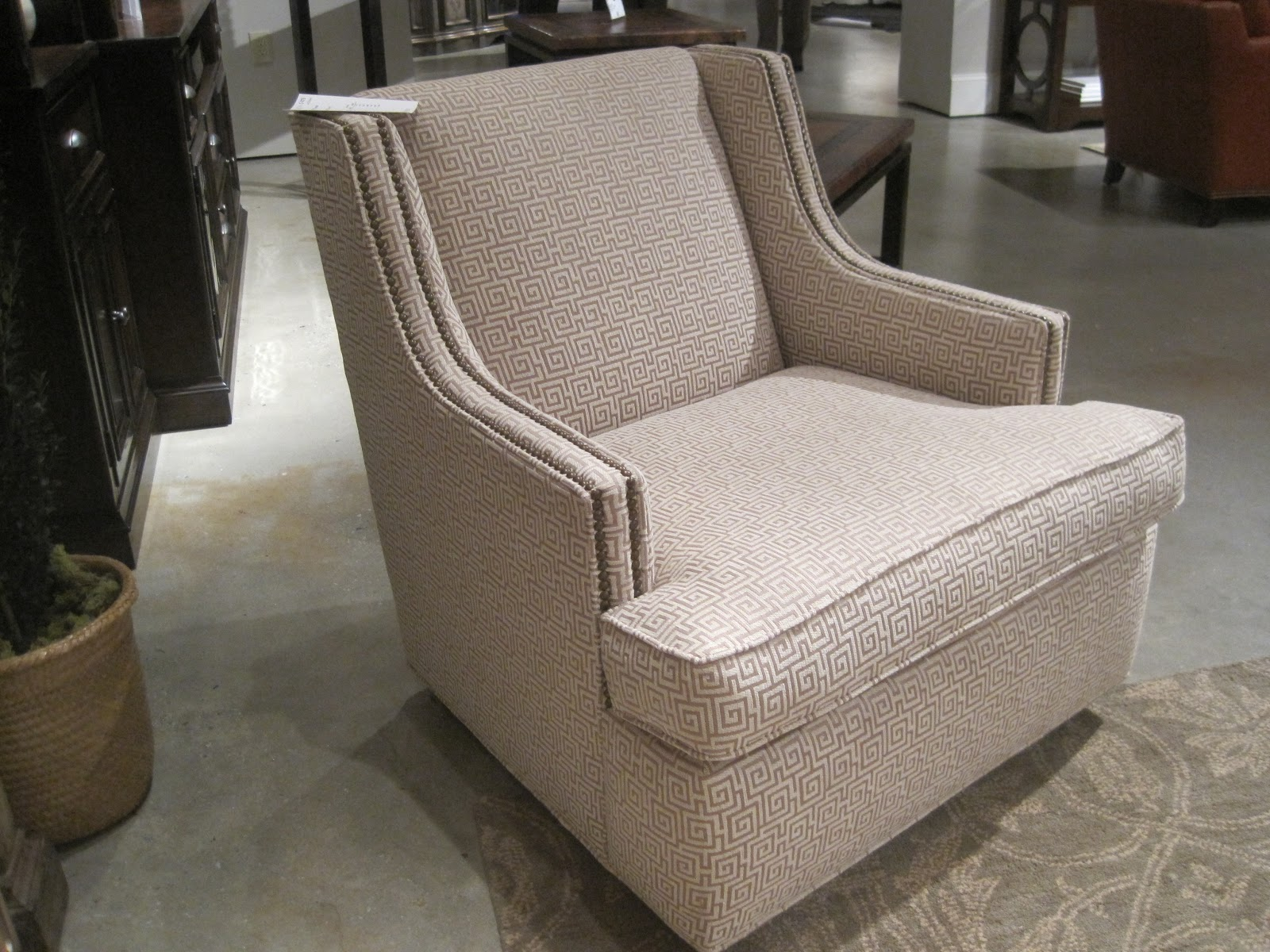 Swivel Chair In Spanish 4moms High Review Architect Design 10 21 12 28