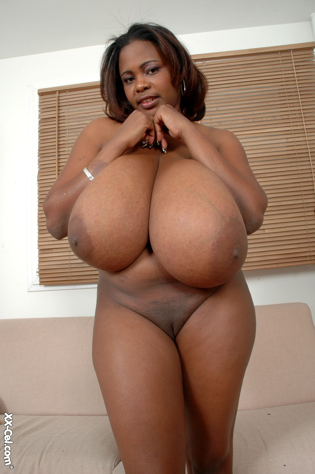 having-miosotis-black-ebony-nude-hairy-sexy