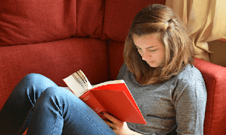 Manfaat Membaca Dapat Memperpanjang Usia