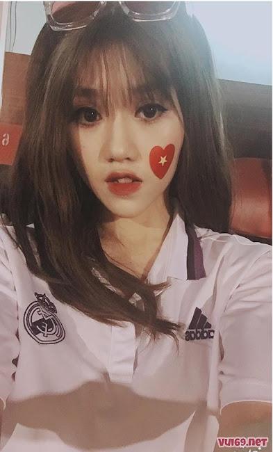 Đào Thị Thùy Dung Hot Girl Trong Trận Việt Nam Gặp MaCao Kèm Link FaceBook