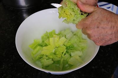 Preparación de ensalada de naranjas