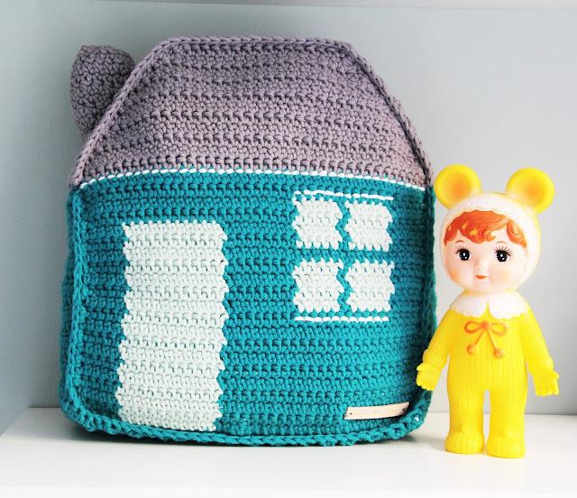 borduurpatronen haken, By Claire, Crochet, gehaakt, Gehaakt/ crochet, haken, huisje, kinderkamer, kussen, Studio Mojo,