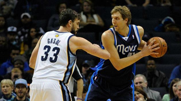 Qui des Memphis Grizzlies, emmenés par Marc Gasol, ou des Dallas Mavericks, emmenés par Dirk Nowitzki, remporteront le derby texan ?