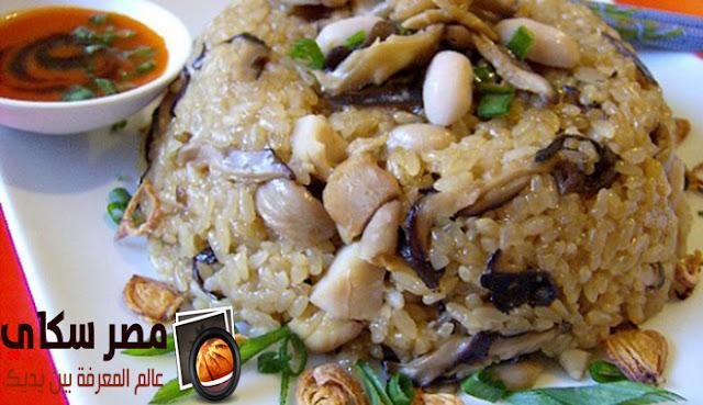 الأرز المحمر بالكبد والقوانص