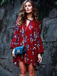 http://www.shein.com/Wine-Red-Long-Sleeve-Floral-Dress-p-231804-cat-1727.html?utm_source=mivida-enblog.blogspot.com.es&utm_medium=blogger&url_from=mivida-enblog