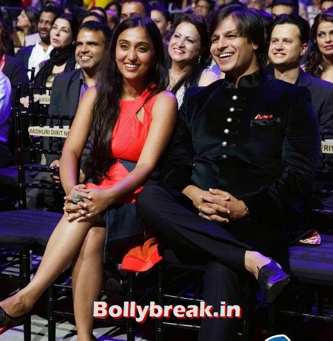 Priyanka and Vivek Oberoi, IIFA Awards 2014 Pics