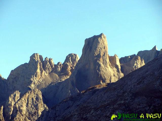 Vista del Urriellu desde Ondón