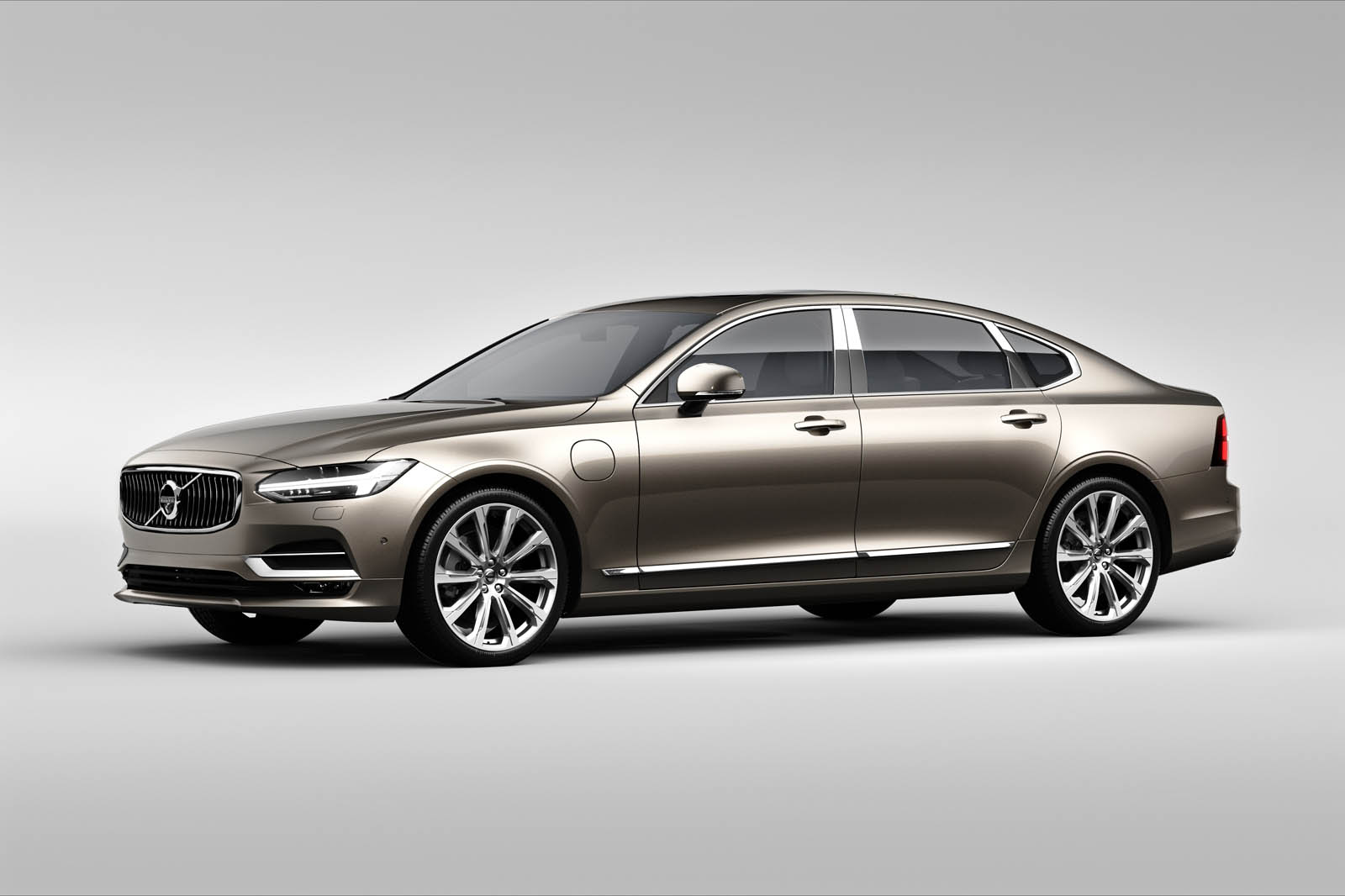2018 Volvo S90 T8 Twin-Engine PHEV With 400HP Reaches America From $63,650