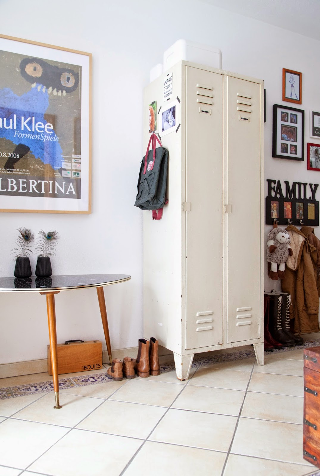 unser zuhause ein alter metall spind im hause wohn projekt wohn projekt. Black Bedroom Furniture Sets. Home Design Ideas