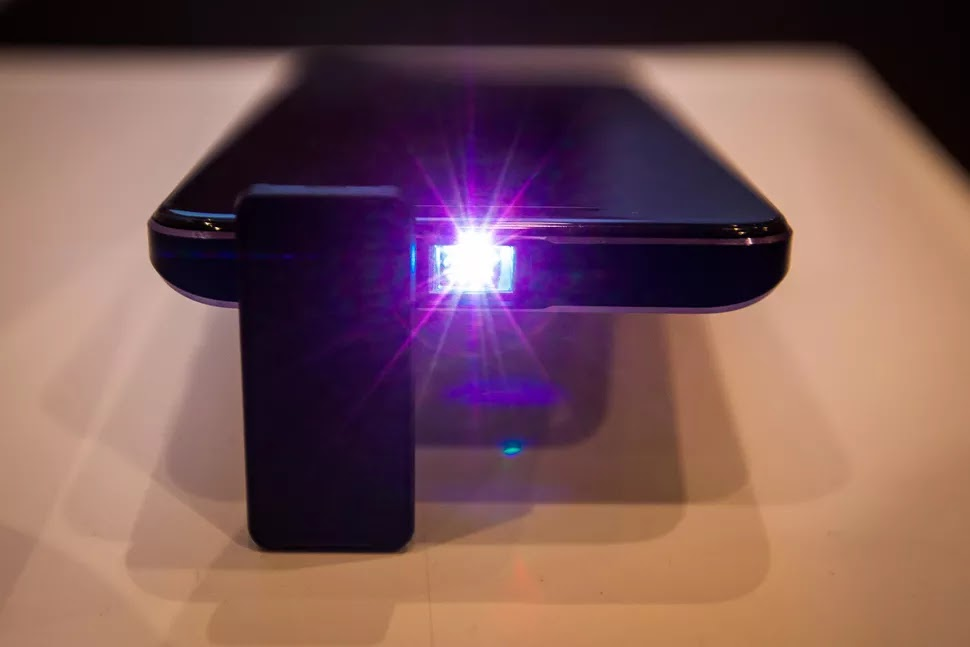 Moviphon built-in projector
