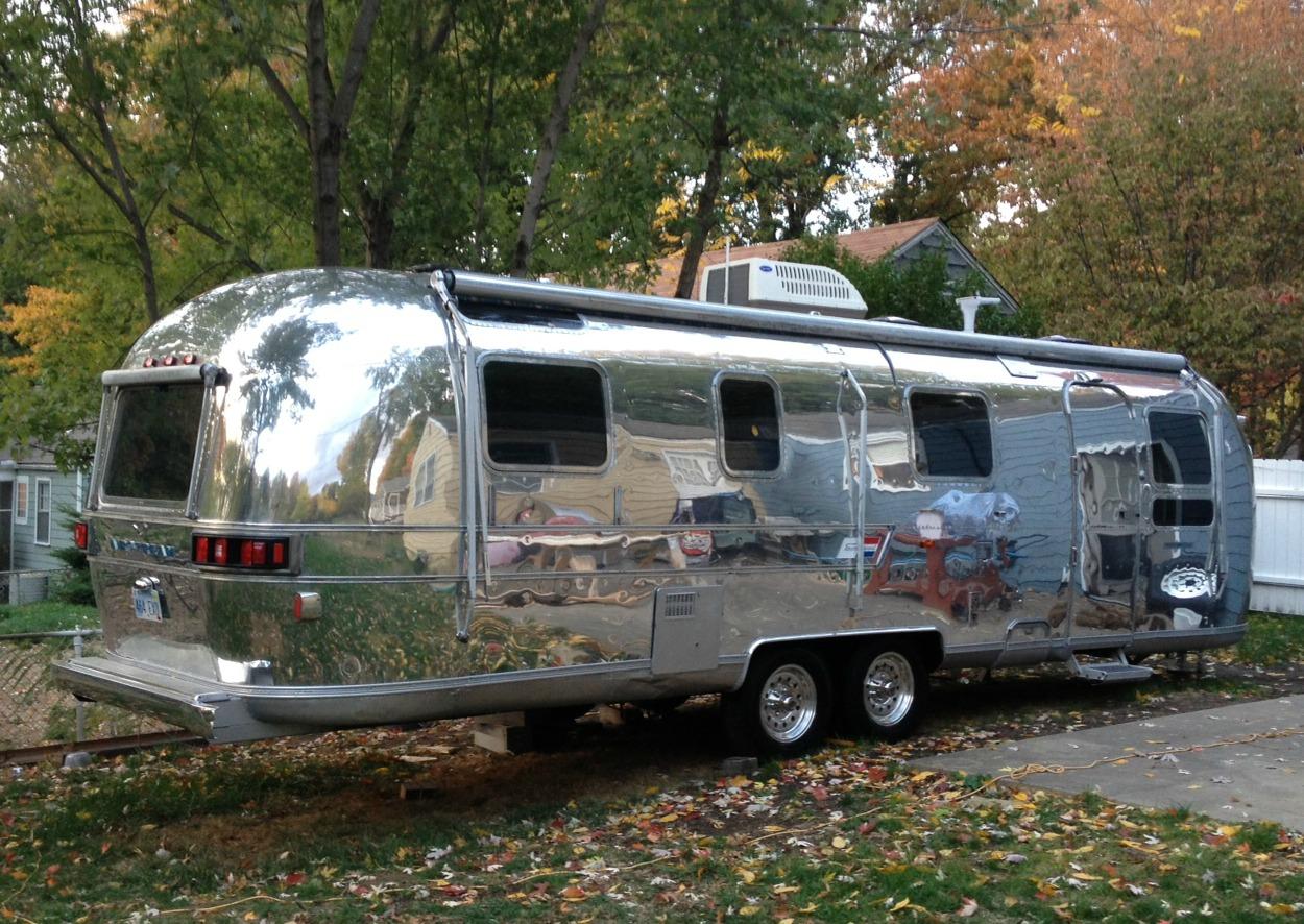 A silver twinkie