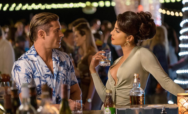 Matt Brody (Zac Efron) and Victoria Leeds (Priyanka Chopra) in BAYWATCH (2017)