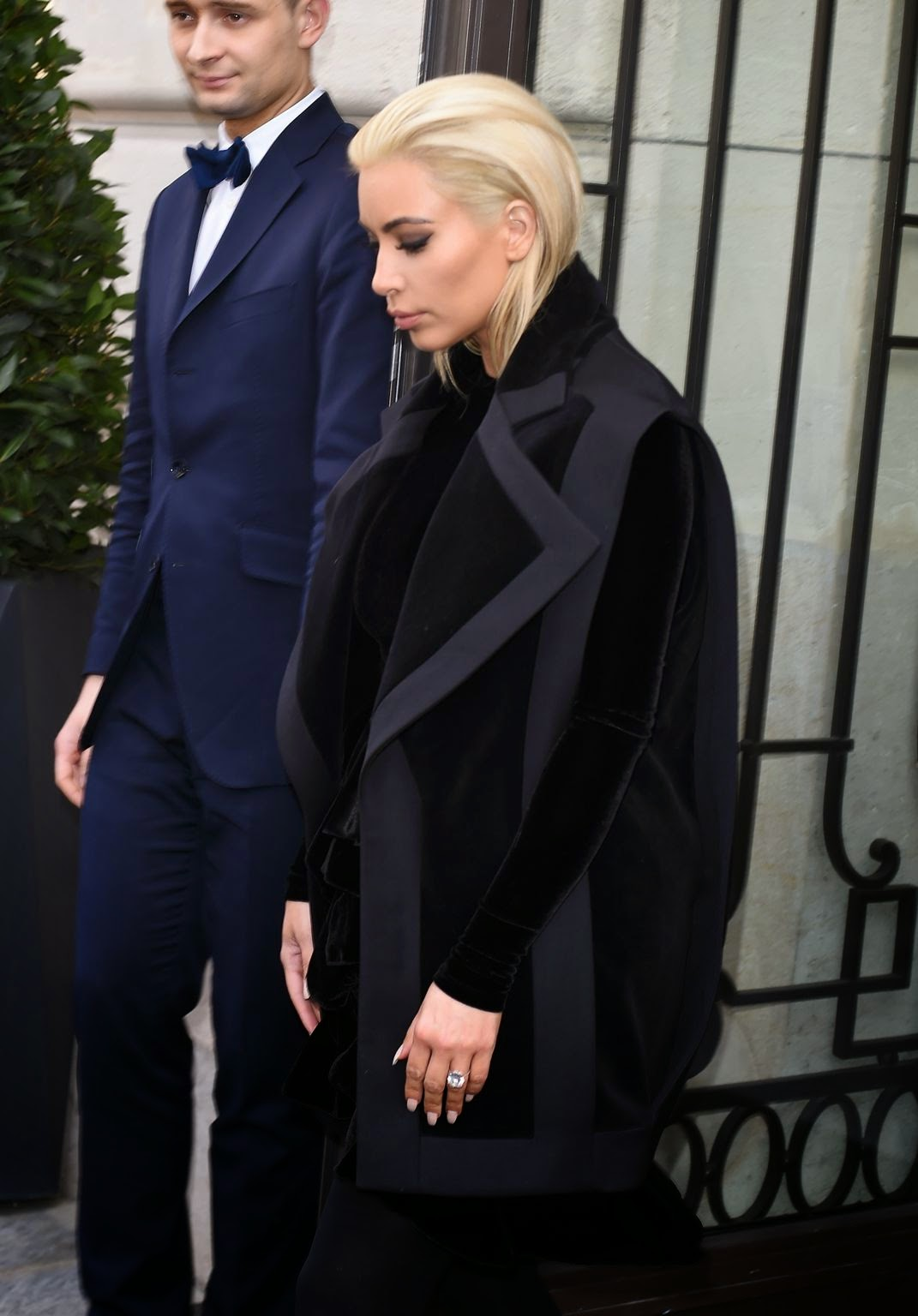 Kim Kardashian Shows Off Her New Platinum Blonde Hair In Paris