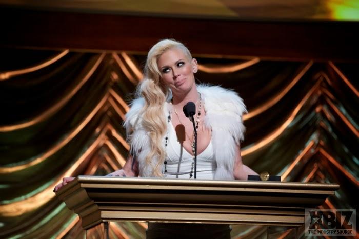 Jenna jameson en el escenario blondage