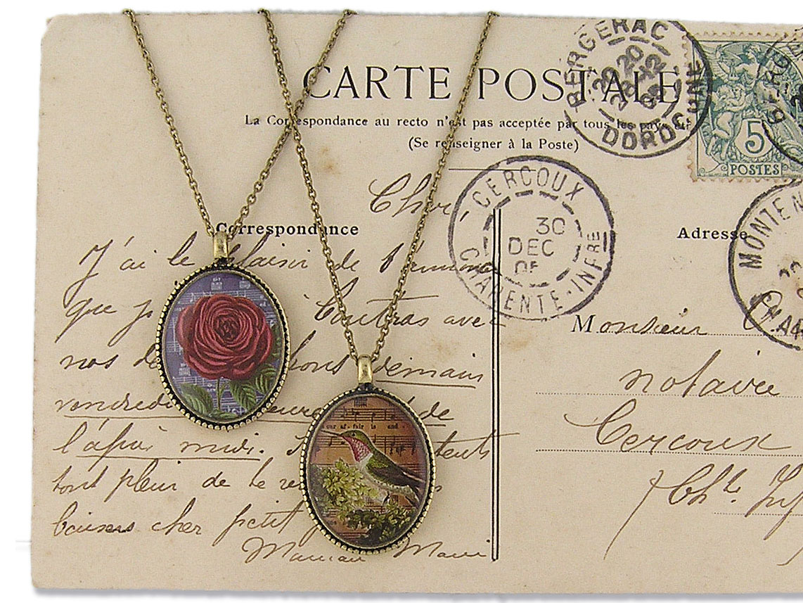 LAVISHY vintage style handmade reversible pedant necklace feature rose and hummingbird print