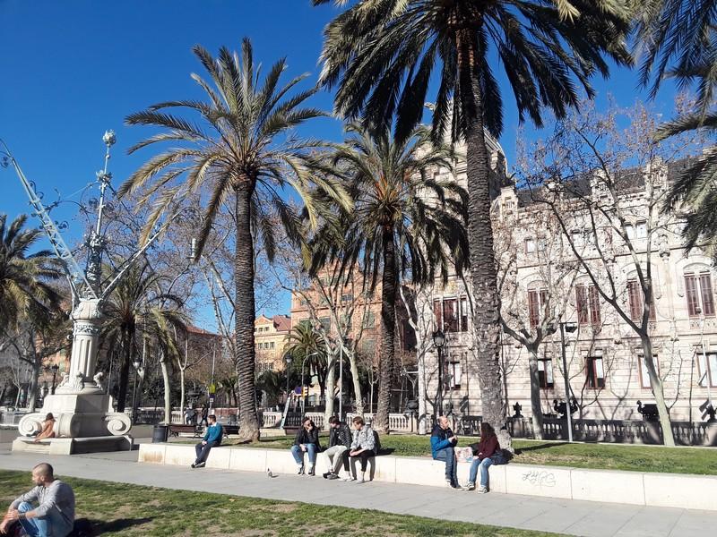 Soleil et architecture à Barcelone