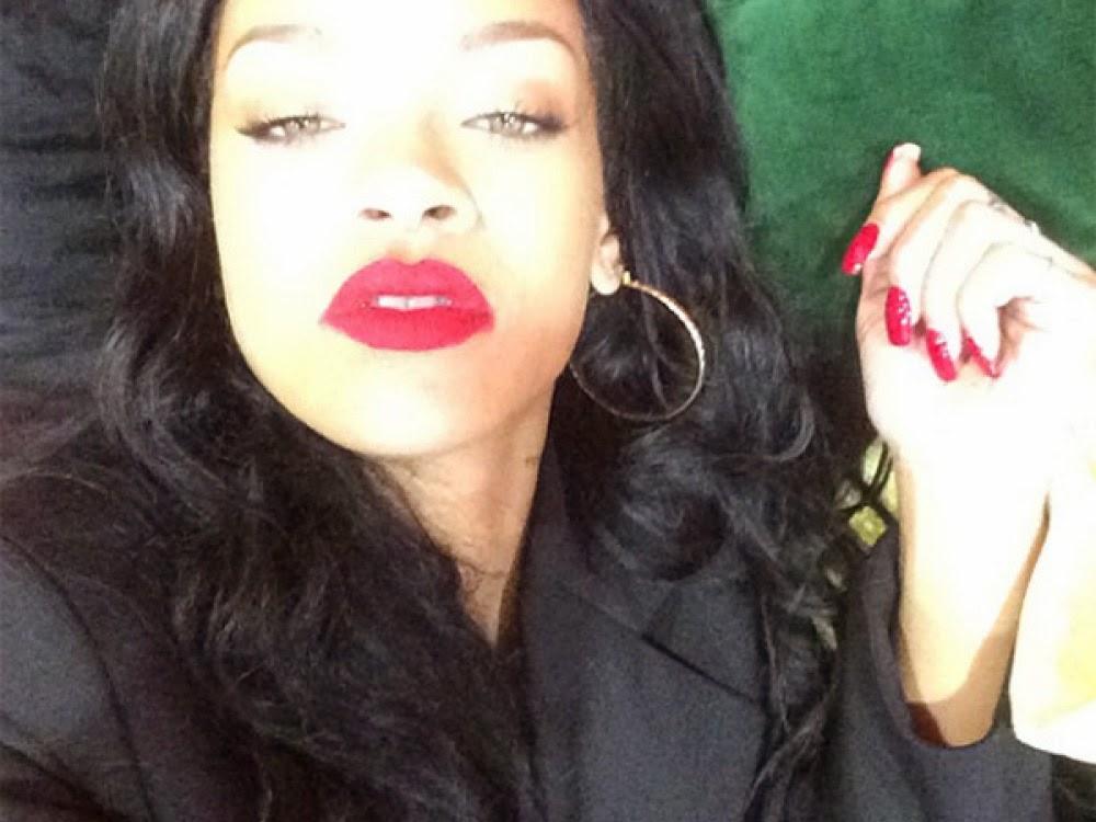 Rihanna Debuts