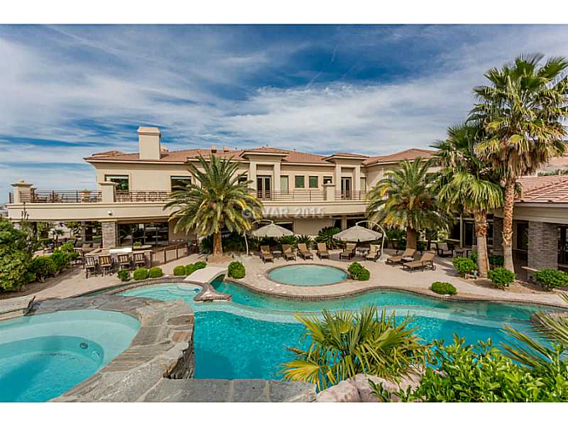 Multi million dollar homes with pools las vegas hende for Homes for sale in las vegas with a pool