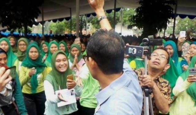 Sandiaga Sampai Merinding Begini Nonton Lagi Prabowo-Jokowi Pelukan