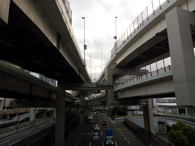 横浜 立体橋 高速道路 サイバーパンク